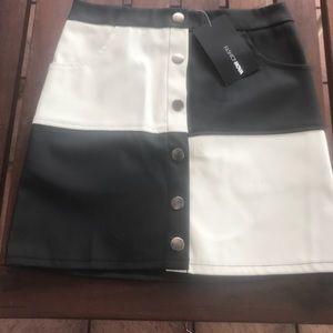 FashionNova leather skirt NEW